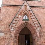 Kościół został prawie całkowicie zniszczony w czasie II wojny światowej. W 1989 roku odbudowę świątyni rozpoczęły polskie pracownie konserwacji zabytków