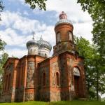Opustoszała cerkiew prawosławna