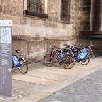 Rower miejski – parking przed kościołem