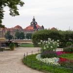 Ogrody Brühla. Widok z  tarasu na siedzibę prezydenta landu
