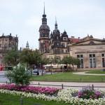 Widok na Stare Miasto – rezydencję Wettynów i kościół św. Trójcy