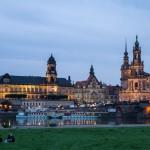 Wieczór w Dreźnie na Łabie Biała Flota a w dali Stare Miasto