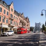 Jeden z symboli Drezna most Loschwitzer na Elbie, zwany potocznie Blaues Wunder – Niebieski Cud. Widok od strony Loschwitz – obecnie dzielnica willowa, kiedyś znajdowało się w niej uzdrowisko