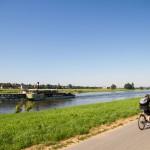 Od rana panuje spory ruch na szlakach wodnych i rowerowych