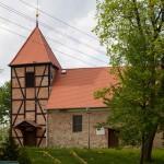 Żółte. Remont kościoła trwa, odnowiona wieża i przełożony dach