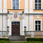 Czempiń. Barokowy pałac z 1739 r, dobrze zachowany ogród też wygląda nieźle