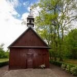 Mikoszki. Drewniana o konstrukcji zrębowej kaplica pw. Najświętszej Marii Panny Nieustającej Pomocy
