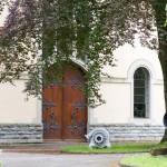 Wodociągi. Pięknie zdobione drzwi. Wodociągi miejskie zaopatrują miasto w wodę pitną już  od 1905 roku. Woda pochodzi z Jeziora Bodeńskiego z głębokości 40m i w niewielkim stopniu poddawana jest oczyszczaniu. W 2013 roku wypompowano tu 4,8 mln m3 wody pitnej.