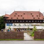 Konzilggebäude budynek obrad soboru, w którym w górnej sali w 1417 roku odbyło się konklawe. Wybudowany w  1388 jako spichlerz. Obecnie służy jako centrum wystawienniczo-konferencyjne.
