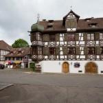 Gottlieben.Wybudowana przez bogatego mieszczanina kamienica z 1715 roku jest dziś hotelem Zamek Smoka