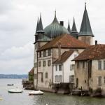 Steckborn- wieża dworska – wybudowana w 1282 jako siedziba opata z wyspy Reichenau. Obecnie mieści się tu muzeum przedstawiające kulturę i historię Untersee. (Dolnego Jeziora Bodeńskiego)