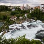 Rheinfall – największy pod względem przepływu wodospad Europy. Wysokość 23 m, szerokość 150 m