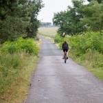 Wąska droga niczym rowerowa