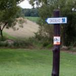 Na szlaku pojawiły się tablice informacyjne, ławki, zadaszenia, stojaki dla rowerów