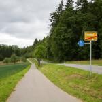 Na drogach lokalnych niewielki ruch a do naszej dyspozycji świetne drogi rowerowe
