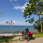 Błękitne niebo i słońce – idealna pogoda na rower
