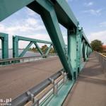 Przez Nogat przeprawiamy się mostem w Bielniku