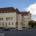 Budynek sądu, przypomina trochę zamek poznański