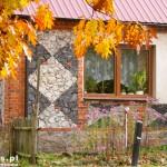 Wołowe Lasy. Kamienna mozaika elewacji domu