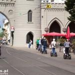 Centrum Poczdamu – Nauener Tor – brama Nauener – jedna z trzech ostałych bram miejskich, wybudowana na przełomie 1754/ 55 – zaliczana jest do pierwszych obiektów w stylu neogotyckim na terenie Europy