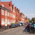 Dzielnica Holenderska w centrum Poczdamu – historyczna cześć miasta powstała w latach 1733–42 z inicjatywy króla Prus Fryderyka Wilhelma I   jako osiedle dla rzemieślników holenderskich ściąganych do pracy przy rozbudowie Poczdamu