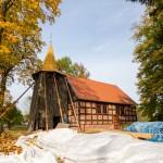 Laski Wałeckie. Kościół pw. Matki Boskiej Szkaplerznej z połowy XVII w