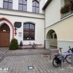 Stargard Szczeciński. Parking dla rowerów przed ratuszem
