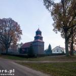Dzierżążno Małe. Kościół z 1600r o konstrukcji słupowo-ramowej