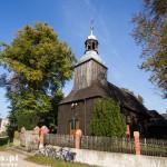 Długa Goślina. Drewniany kościół kryty gontami