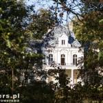 Błociszewo. Przypominający architekturę francuską, eklektyczny pałac, zbudowany w 1893 przez Chłapowskich