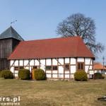 Dzisna. Kościół zbudowano pod koniec XVI wieku. W XVII rozbudowany a następnie dobudowano wieżę