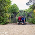Najbardziej charakterystyczne miejsce parku w Kromlau. Słynny most bazaltowy nad jeziorem Rakotzsee