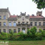 Gościeszyn. Pałac do niedawna funkcjonował jako dom dziecka. Obecnie przechodzi remont