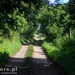 Na szlaku, brukowana droga