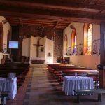 Gościnno. Na uwagę zasługuje wykuta z jednego kamienia chrzcielnica z przełomu XII i XIII w