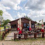 Bar u Zbyszka. Można się dogadać i podłączyć kampera lub przyczepę do prądu