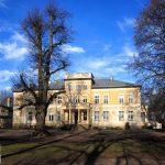 Jeziorki pow. Stęszew. Okazały pałac z XIX w. Obecnie szkoła