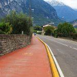 Droga rowerowa przez Rive del Garda