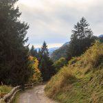 Rozstajemy się z rozległymi panoramami – wjeżdżamy w doliny