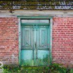 Ciekawie zdobione drzwi